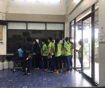 วันที่ 14 สิงหาคม 2563 ทีมงานปรัชญา99 พาแรงงานสัญชาติเมียนมาร์ ลาว กัมพูชา เข้ารับการปรับปรุงรายการทะเบียนประวัติ และถ่ายบัตรชมพู